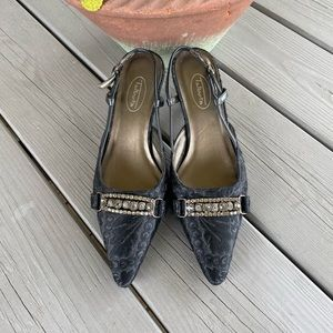 Talbots Black Fabric Rhinestone Heel ✨